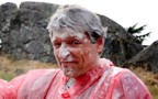 RDR The GM with cake flour on his head: Click to enlarge